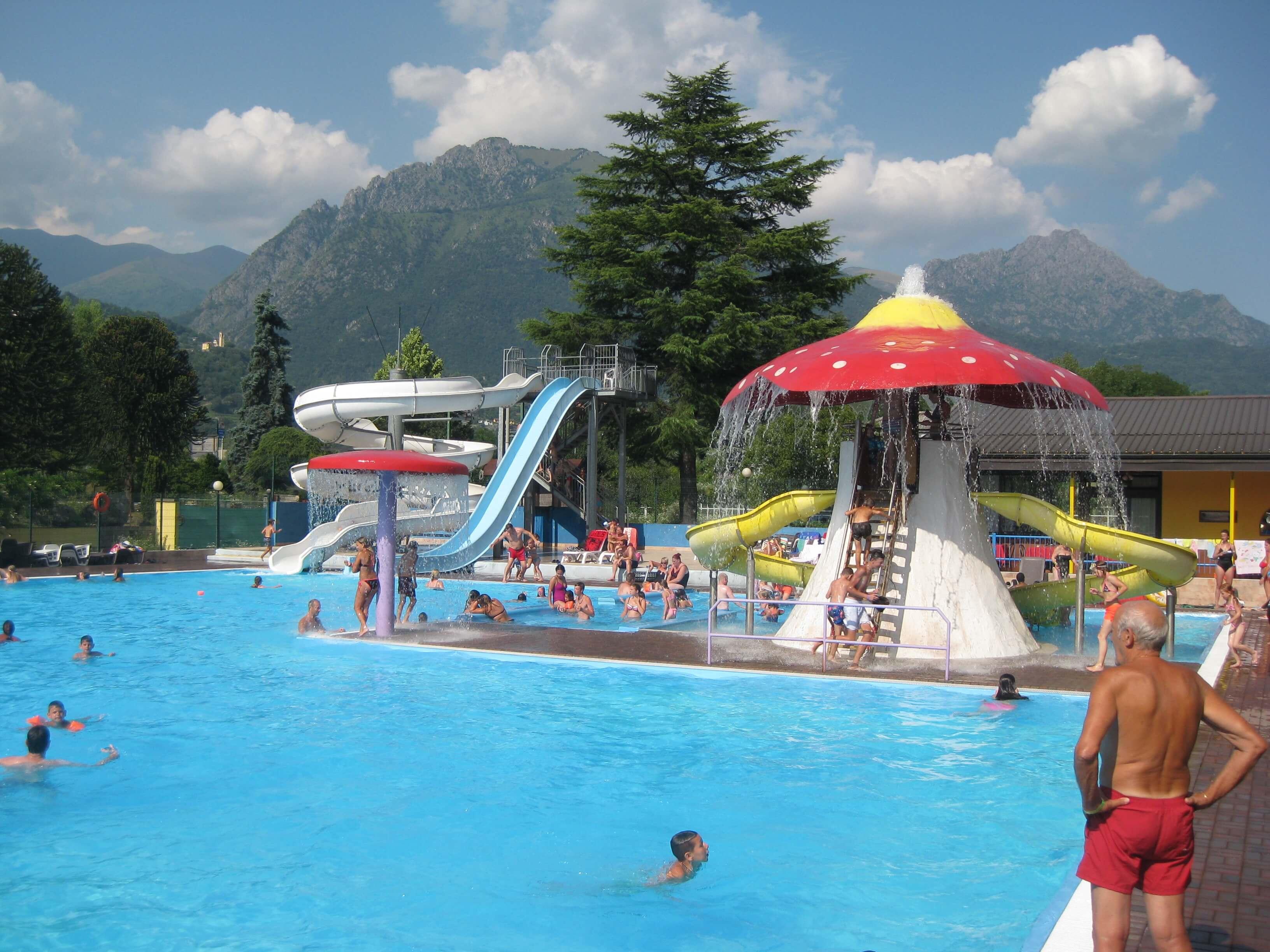 Het zwembad van de camping